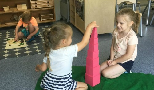 pink tower montessori glandore kindy